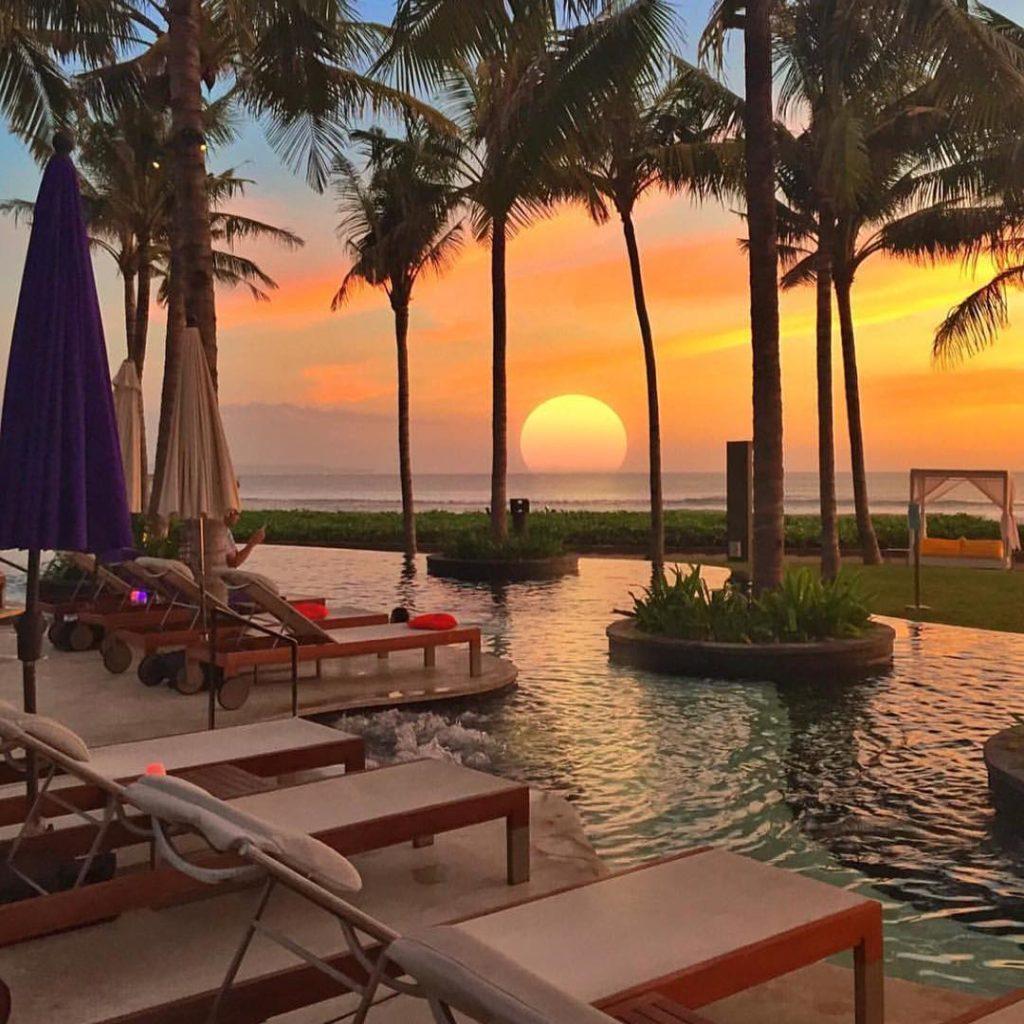 Amazing sunset at W Bali Seminyak ?????? Credits ?@golden_heart?