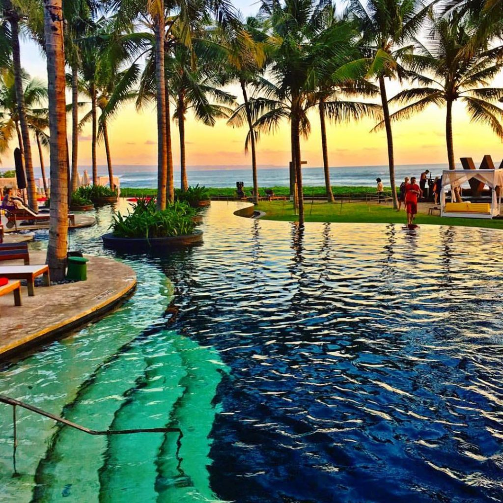 Sunset at W Hotel, Seminyak - Bali ?????? Credits ?@timothysykes?follow him for millionaire lifestyle!!! . #beachesnresorts for a feature ??