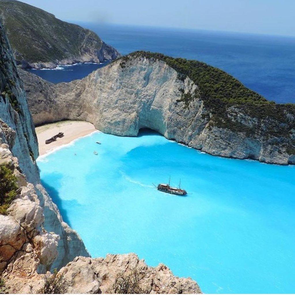 Zakynthos Island - Greece ?????? Credits ?@loucosporviagem? . #beachesnresorts for a feature ??